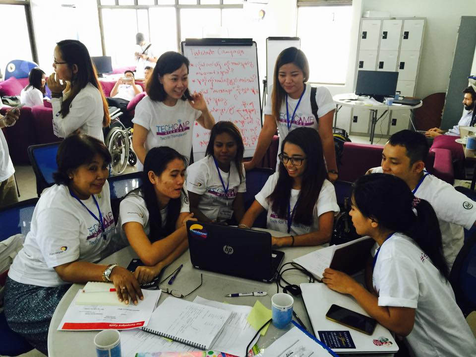 TechCamp Myanmar participants work on their project ideas.