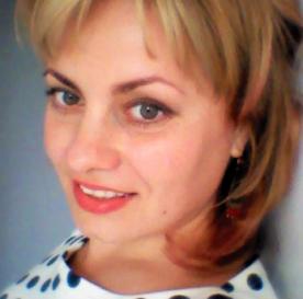 TechCamp trainer Camelia Nistor.