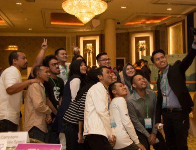TechCamp Thailand Participants pose for a group photo